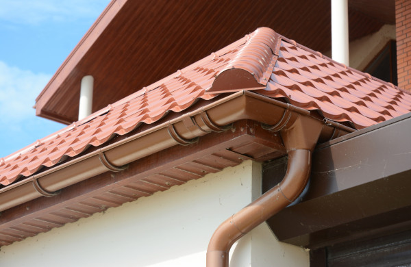 How to Choose the Right Colour for Your Gutters